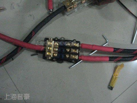上海音豪:丰田皇冠发烧音响改装摩雷系统!