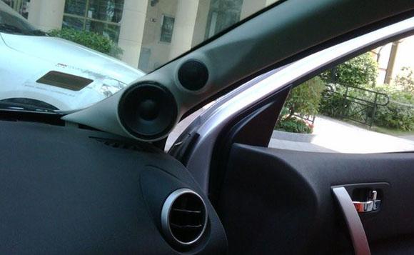 汽车音响安装工艺 a柱倒模安装