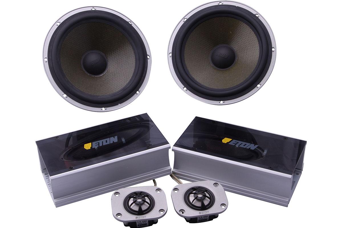 您希望从的CD机中欣赏到效果清晰,音域宽广的自然音乐,这就少不了高质量的扬声器。扬声器的频率响应是从低音到高音能准确再生的声音范围,高质量的扬声器,能处理特别的功率、电平。除了连续功率处理能力之外,还能再生毫无失真的暂态音乐峰值,这对CD唱片之类的数位音源是特别重要的。汽车扬声器的制造过程中还有很重要的一点,就是在各种环境以及行驶道路上,对扬声器的品质测试,设计出恰到好处的最佳扬声器系统,以确认喇叭在各种安装条件下的具体性能和音响分布。以下介绍汽车扬声器的结构和特点。