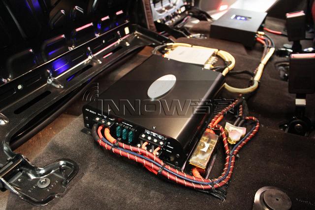 过耳难忘 奔驰gle 400汽车音响改装美国捷力 10w0v3 超低音炮